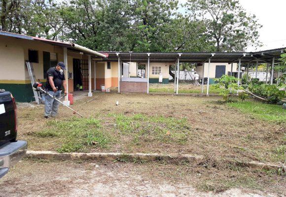 Jornada de limpieza y mantenimiento de la morgue de Isla Colón